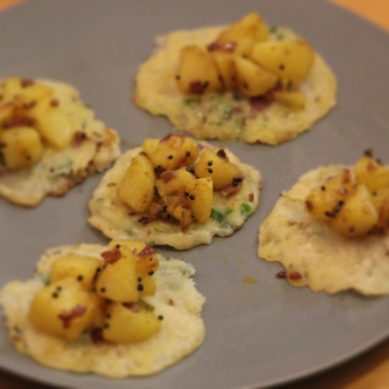 Onion uttappa with potatobhajji