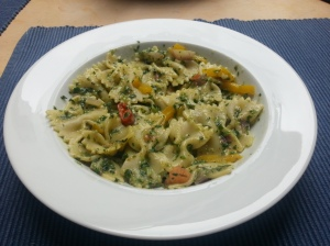 Pasta with spinach gravy