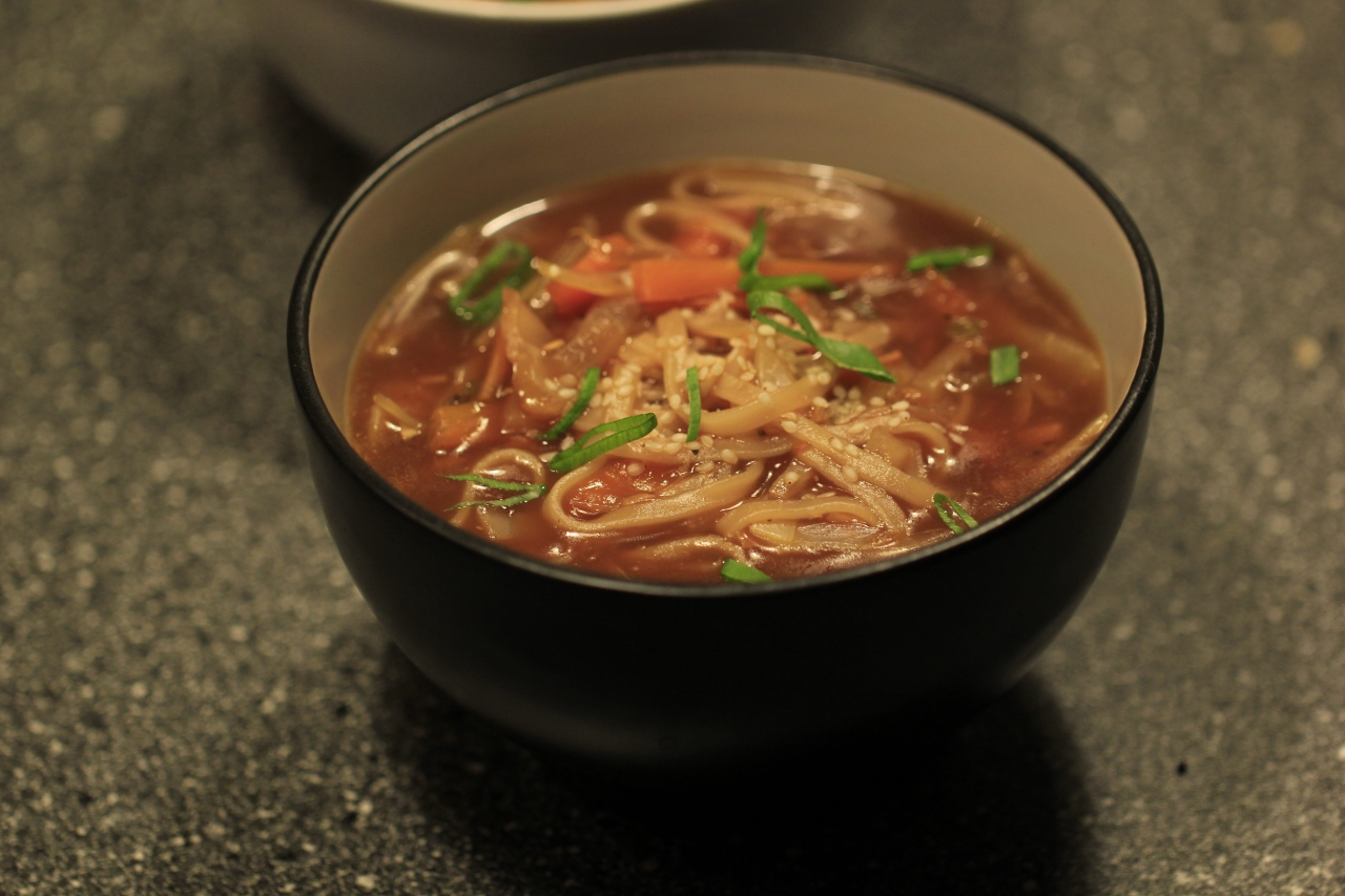 Soupy vegetable noodles